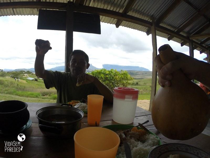Comidas típicas: pratos da culinária pemón, índios da Venezuela