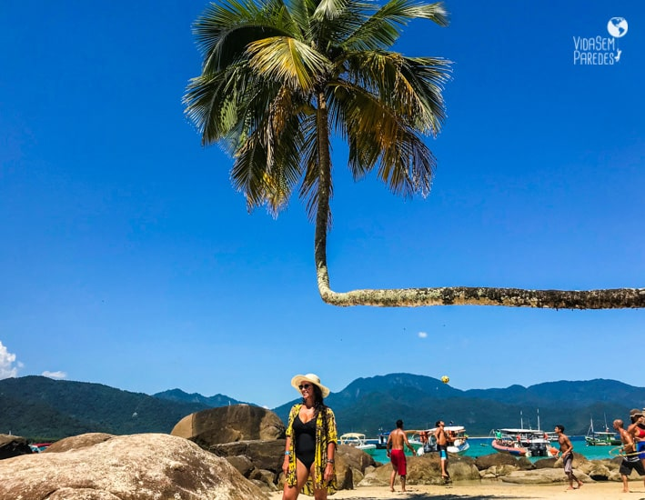 praia do aventureiro coqueiro